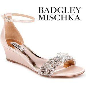 🆕Badgley Mischka EMBELLISHED Floral Wedge Sandal